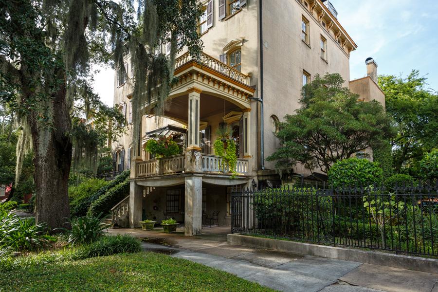 Gastonian Inn Terrace